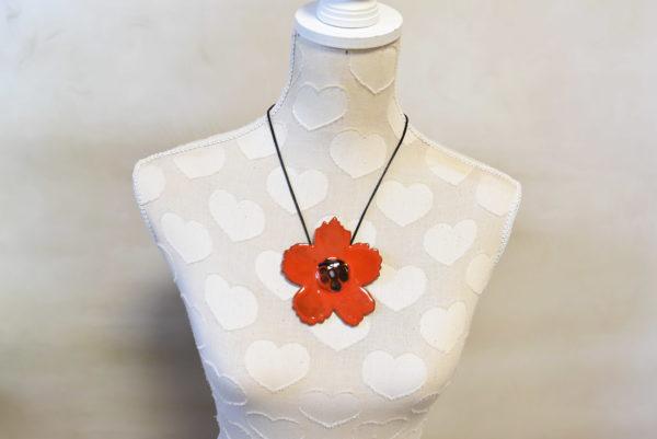 Pendentif Fleur sauvage rouge